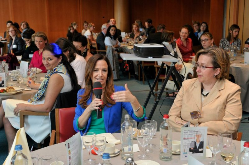 question-time-at-the-brussels-parliment-discussion-of-entrepreneurial-women-by-seldia-dsa