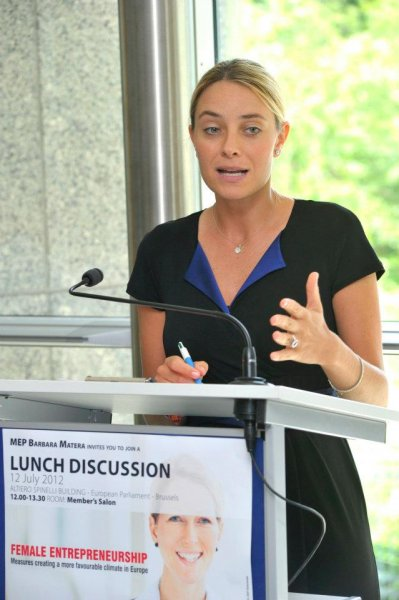 the-host-of-the-lunch-discussionat-brussels-parliment-mep-barbara-matera